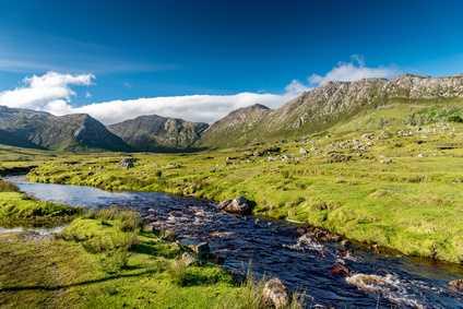 Aufnahme eines Flusses in Irland.